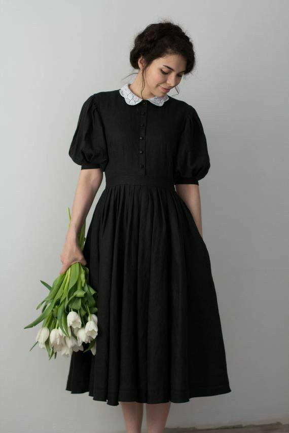 Прекрасное платье с воротником